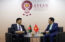 越南政府副总理兼外长范平明会见印度和孟加拉国外长