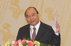"""越南政府总理阮春福:严格处理""""有名无实""""的大学"""