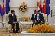 越共中央办公厅高级代表团对柬埔寨进行工作访问