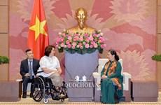 越南与美国议会加强合作