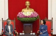 越共中央民运部部长张氏梅会见ILO政策事务副总干事