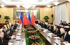 中国与菲律宾加强双边关系