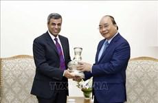 越南政府总理阮春福会见科威特石油部长法迪勒