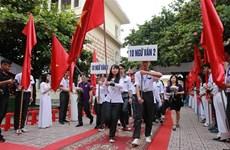 越南全国2400万多名学生今日迎接2019-2020新学年