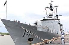 菲律宾海军军舰对越南进行友好访问