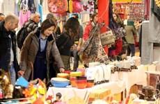 越南手工艺品亮相伦敦礼品展览会