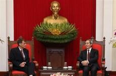 阮文平会见美国财政部长副助理部长罗伯特·卡普罗特