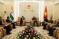 越南国防部副部长阮志咏会见印度驻越大使