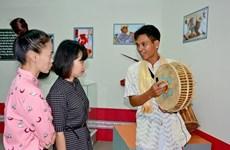 有关宁顺省占族文化的200多个实物在得乐省展示