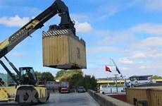 法国内河至越南运输线路投运