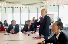 胡志明市国会代表团与法国里昂分享城市发展经验