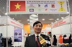 越南企业参加2019年俄罗斯国际轻工纺织博览会