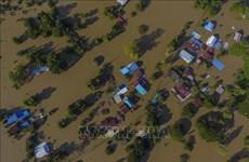 泰国遭遇暴雨洪水袭击导致数万人撤离