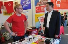 """越南参加比利时工人党""""团结计划""""节"""