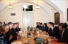 芬兰重视发展与越南多方面的合作