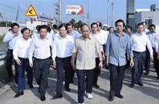 阮春福对中良—美顺高速公路施工进度进行实地走访考察