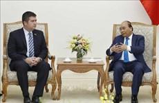 越南政府总理阮春福会见捷克内政部长哈玛谢克