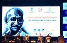 印度民族英雄圣雄甘地诞辰150周年纪念典礼在河内举行