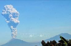 印度尼西亚默拉皮火山喷发 印尼向各家航空公司发出危险警告