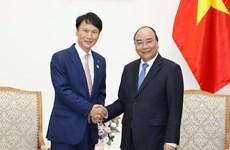 政府总理阮春福会见日本鹿儿岛县知事三反园训