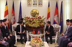 柬埔寨金边领导人建议巴地头顿省开通跨境旅游巴士