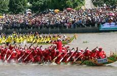 九龙江三角洲地区拜月节暨赛龙舟节:发挥高棉族同胞的传统文化价值