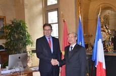 越南共产党代表团访问法国
