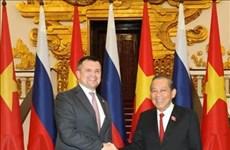 越俄两国政府副总理举行会晤