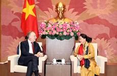 国会主席阮氏金银会见欧洲议会国际贸易委员会主席博纳·兰格