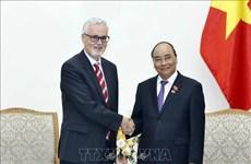 阮春福总理会见德国驻越大使吉多•希尔德纳