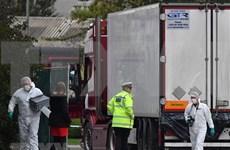 越南政府总理阮春福向英国集装箱藏尸案遇难者家属表示慰问