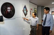 外国人美术交流活动在岘港市举行