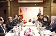 越南政府总理阮春福会见新西兰总理阿德恩