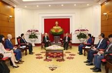 越共中央经济部部长会见脸书亚太区公共政策副总裁西蒙•米尔纳