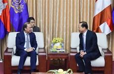 越南外交部代表团庆祝柬埔寨国庆66周年