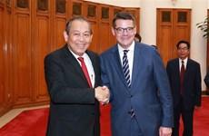 越南政府副总理张和平会见德国黑森州议会议长
