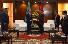 哈萨克斯坦议会下院议长尼格马图林访问岘港市
