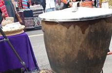 泰族人家里必不可少的东西——铜蒸锅