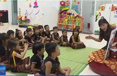 戈都族老师一边教学一边做好民族文化保护工作