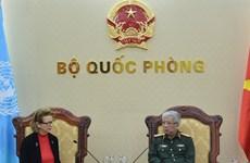 越南国防部副部长阮志咏会见联合国开发署驻越代表
