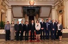 胡志明市领导会见澳大利亚政治交流委员会代表团