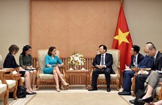 越南政府副总理郑庭勇会见澳大利亚驻越大使穆迪