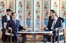 越南政府总理阮春福会见韩国釜山市市长吴巨敦
