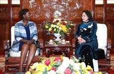 越南国家副主席会见法语国家组织秘书长