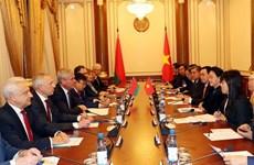 越南国会主席阮氏金银与白俄罗斯国民会议代表院主席举行会谈