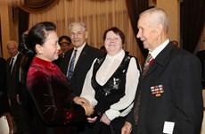 越南国会主席阮氏金银会见白俄罗斯援越老兵