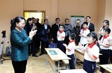 阮氏金银造访白俄罗斯首都明斯克越南语培训班