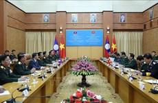 老挝国防部部长占沙蒙大将对越南进行工作访问