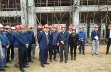 河内市领导视察越南最大垃圾焚烧发电厂项目进展情况