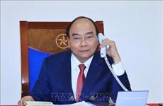 阮春福总理与俄总理梅德韦杰夫通电话